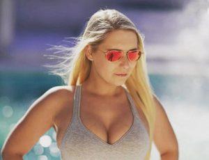 mit einem Porno von Lena Nitro